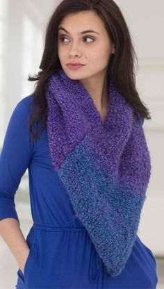 Twilight Cowl in Lion Brand Homespun Thick & Quick - L40047. Discover more Patterns by Lion Brand at LoveKnitting. The world's largest range of knitting supplies - we stock patterns, yarn, needles and books from all of your favorite brands.