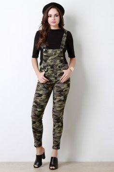 These superb overalls feature a stretch denim fabric, military camo print, adjustable shoulder straps, and button-up front. Two front pockets, belt lo. Camouflage Prom Dress, Camouflage Jeans, Camo Outfits, Edgy Outfits, Fashion Outfits, Overalls Fashion, Overalls Style, Stretch Denim Fabric, Summer Outfits For Teens