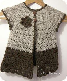 Il Giardino di Flora- Uncinettose evasioni ed altro: Gilet di lana all'uncinetto per bambina. Crochet cardi for a girl
