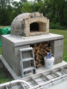 DIY wood fired oven. I so want one of these one day!