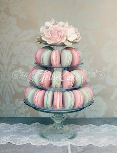 Macaron Tower - This would be a cute baby shower idea too, especially if you are going to reveal the gender at that time! Idee Baby Shower, Cute Baby Shower Ideas, Tea Party Bridal Shower, Baby Shower Cakes, Macaroon Tower, Deco Buffet, Macaron Cake, Macaron Stand, Afternoon Tea Parties