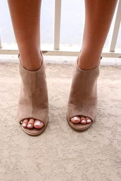 Cute faux suede block heels Heel height is 4 inches Has a chunky wooden heel Has a side ankle buckle strap