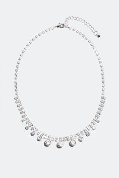 Kjøp sølvfarget halskjede med strass i nettbutikken på Glitter.no! Glitter, Diamond, Jewelry, Metal, Jewlery, Jewerly, Schmuck, Diamonds, Jewels