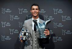 Ronaldo lett az Év férfi játékosa, kialakultak a csoportok is - https://www.hirmagazin.eu/ronaldo-lett-az-ev-ferfi-jatekosa-kialakultak-a-csoportok-is