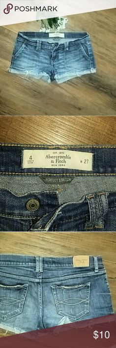 Abercrombie & Fitch Jean shorts size 4 Abercrombie & Fitch Jean shorts size 4 Abercrombie & Fitch Shorts Jean Shorts