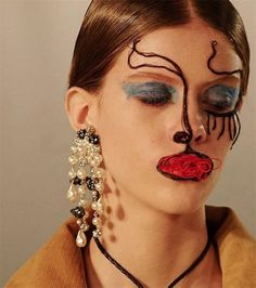 Faces hewn from tulle at Maison @ Margiela Make Up Looks, Black Brows, Beauty Makeup, Hair Makeup, Bouchra Jarrar, High Fashion Makeup, Christian Dior Couture, Ancient Beauty, Pat Mcgrath