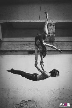 Aerial dance Artists:Tarek Rammo, Kami-Lynne Bruin Photography: Megin Zondervan. #photography #model #Aerialdance #blackandwhite