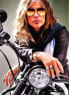Steven Tyler of Aerosmith - great rock singer and composer Band On The Run, Steven Tyler Aerosmith, Bike Magazine, Joe Perry, Rhythm And Blues, Hot Bikes, Rock Legends, Jimi Hendrix, Rock Music