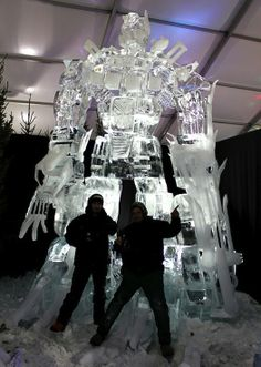 Two ice sculpturers (Antti Pedrozo and Michel de Kok) Created this pretty awesome Optimus Prime sculpture. More pics after the break. Snow And Ice, Fire And Ice, Snow Sculptures, Sculpture Art, Ice Art, Snow Art, Ice Ice Baby, Transformers Art, Optimus Prime