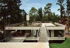 Image 1 of 26 from gallery of House in Aldeia da Serra  / MMBB Arquitetos + SPBR Arquitetos. Photograph by Nelson Kon