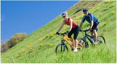 Have you been considering cycling as a form of exercise? Fitness on a bike is all about getting into a steady rhythm. You need to consistently pedal, rather than pedal-coast, pedal-coast. Workouts Outside, Outdoor Workouts, Easy Workouts, Outdoor Training, Lose Weight, Weight Loss, Ways To Burn Fat, Outdoor Recreation, Ayurveda