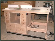 Shop-Made Router Table