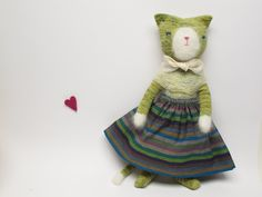 Ruthie The Cat scroll down link for body shown without clothes :-)