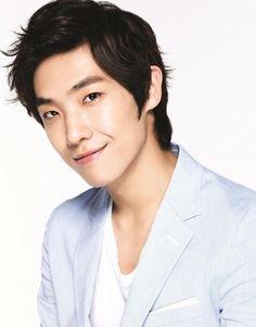 Lee Joon 이준 formerly from MBLAQ 엠블랙