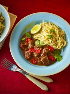 This slow-cooked Chinese-flavoured dish makes a lovely change from a stir-fry but is just as easy to prepare. Equipment and preparation: For this recipe, you will need an electric slow-cooker, at least litres& pints in capacity. Uk Recipes, Meat Recipes, Asian Recipes, Cooking Recipes, Slow Cooking, Chinese Recipes, Pressure Cooking, Chinese Food, Slow Cooker Beef