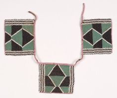 Iqabane Necklace Sotho, South Africa Early century Glass beads Size: each square 3 x 1 x cm) African Accessories, African Jewelry, African Beads, Beaded Jewelry, Beaded Bracelets, Necklaces, Afrique Art, Art Perle, Unusual Jewelry