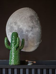 Interiors Round-up: Put the Moon in your Room.