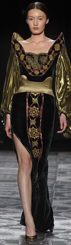 Laurence Xu Couture Spring 2015 |╰☆╮ZPeacocks...╰☆╮|