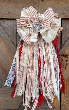 Shabby Chic Bedroom Curtain Ideas some Home Decor Stores Denver – Diy Garland 2020 Ribbon Garland, Fabric Garland, Shabby Chic Crafts, Vintage Crafts, Vintage Diy, Vintage Ideas, Diy Bow, Diy Ribbon, American Flag Crafts