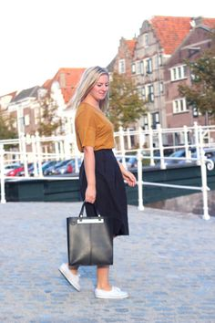 Skirt and top H&M, Shoes Adidas, Bag Primark  www.mixofme.nl @mixofme_blog