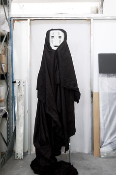 We understood how to create the costume of no face using our product degree  Sen to Chihiro no kamikakushi / Spirited Away カオナシ / Kaonashi / no face  #costume #halloween #howto #diy #noface #Chihiro