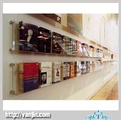 China Acrylic-transparent-leaflet-holder-stand-with-wall-mount-side-grips suppliers for books