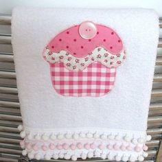 applique hand towel