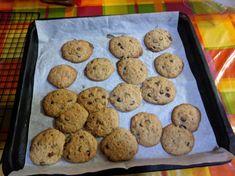 Fursecuri vegane cu ciocolata Vegan Vegetarian, Recipies, Cookies, Desserts, Food, Recipes, Crack Crackers, Tailgate Desserts, Deserts