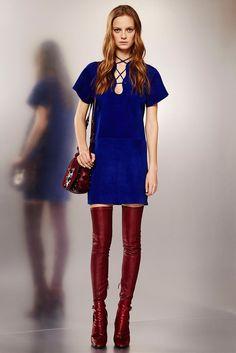 See the complete Emilio Pucci Pre-Fall 2015 collection.