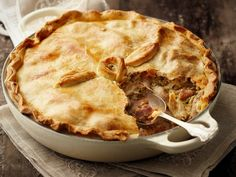 SA se beste hoenderpastei | SA's best chicken pie Oven Recipes, Cooking Recipes, Recipies, Tart Recipes, Yummy Recipes, Kos, Cooked Chicken Recipes, South African Recipes, Savoury Baking