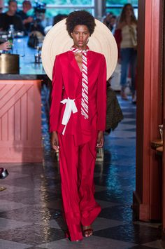 See every look from Hellessy's spring 2019 collection. Suits For Women, Fashion Show, Runway, Menswear, Women's Suits, Fancy, Spring, How To Wear, Collection