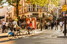 25 cosas de Londres que sólo sabrás si has vivido allí. Conde Nast Traveller Travel Organization, London Calling, Places To Visit, Around The Worlds, England, Street View, Life, Bicycles, Anna
