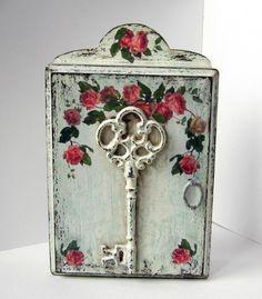 """Фото Ключница """"Ключ от розового сада"""""""