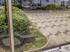 https://flic.kr/p/Csts2k | Ih... quebrou! | Mas não fui eu... ;-P  Lá em Ipanema, Rio de Janeiro, Brasil.  ____________________________________________  Oops... it broke!  But it was not me... ;-P  Ipanema district, Rio de Janeiro, Brazil. Have a great day!   ____________________________________________  Buy my photos at / Compre minhas fotos na Getty Images  To direct contact me / Para me contactar diretamente: lmsmartinsx@yahoo.com.br