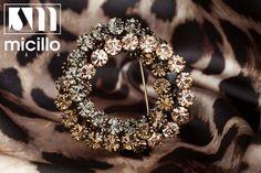❄️💎 #freeshipping to 31/12 www.micilloshop.com ❄️💎 #micillo #micilloItalia #strass #italiandesign #elegance #quality #madeinitaly #fashion #accessorize #glamour #cool #spilla #crystal #swarovski #instagood #nothingisordinary #womensfashion #fashionista #womenwithstyle #womensstyle #instastyle #theeverygirl #brooch www.micillo.it