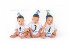 Pregnant with Triplets - My guide on Triplets strollers, clothes and triplet gift ideas.