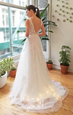 Hey, I found this really awesome Etsy listing at https://www.etsy.com/listing/289270647/white-deep-v-back-lace-wedding-dress