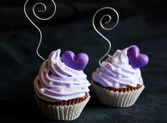 Purple Wedding Party cupcake place card picture holder, bridal or baby shower, guest favors  €18.00