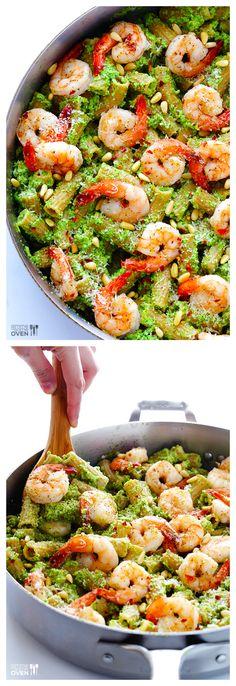 Shrimp Pasta with Broccoli Pesto ~ who knew that broccoli tasted so good in a pesto?! | gimmesomeoven.com