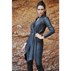 Asymetryczna srebrzysta tunika kopertowa. Do zamówienia w dowolnym rozmiarze w butiku Łatka fashion.