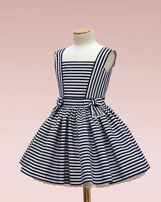 Cruise striped dress with organic textiles Cruise gestreiftes Kleid mit Bio-Textilien Sommer. Frocks For Girls, Kids Frocks, Dresses Kids Girl, Little Girl Dresses, Kids Outfits, Dresses For Children, Frock Patterns, Baby Girl Dress Patterns, Dress Anak