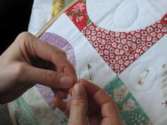 Hand Quilting 2 -- Threading and Making the Knot - YouTube