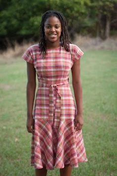 Beautiful Outfits, Beautiful Clothes, Plaid Dress, To My Daughter, Short Sleeve Dresses, Sewing, Pattern, How To Wear, Style