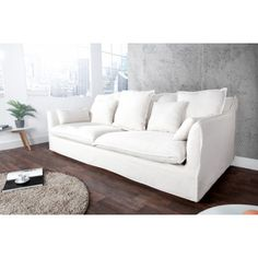 Homedecor Living Room, Living Room Decor, Furniture, Minimalist Living Room, Sofa, Furnishings, Couch, Couch Styling, Home Basics