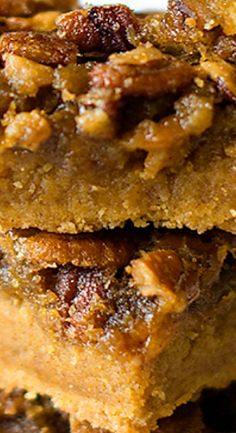 Do you love pumpkin recipes? You'll adore these delicious pumpkin praline bars featuring pumpkin cookie mix and chopped pecans. Fall Desserts, Cookie Desserts, Just Desserts, Delicious Desserts, Pumpkin Pie Cupcakes, Pumpkin Cookies, Pumpkin Dessert, Bar Recipes, Baking Recipes