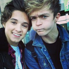 tradley - Google Search>>>get yourself some eyes that's not tradley that's brad and CONNOR