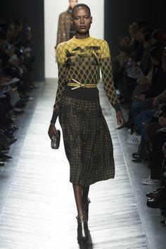 Bottega Veneta   Fall 2016 Ready-to-Wear   24 Black/yellow printed long sleeve sweater and checkered midi skirt