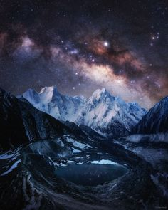Milky Way over the Himalayas Credit: Tomas Havel Location : Bimtang lake Himalayas Nepal Photography Beach, Travel Photography, Astronomy Pictures, Hubble Pictures, Hubble Images, Les Themes, Milky Way, Belle Photo, Night Skies