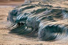 Sculture liquide: larte sulla cresta dellonda