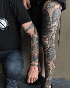 212 отметок «Нравится», 2 комментариев —   Heath G Crowe DTD   (@heathcrowedtd) в Instagram: «Healed sleeve on my lovely friend and great client Sarah. HeathCrowe.tattoo@gmail.com…»